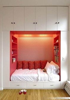 room ideas for small space bedroom ideas for - 28 images - simple small bedroom designs home design, decorating ideas for small bedroom space tags decor, bedroom paint ideas for small bedrooms tags bedroom, how to make a childs bean bag chair tags make a, Small Space Bedroom, Small Bedroom Designs, Small Spaces, Small Apartments, Studio Apartments, Two Bedroom Apartments, Bed Designs, Small Bedroom Ideas For Couples, Alcove Bed
