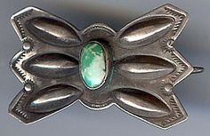 VINTAGE-NAVAJO-INDIAN-STERLING-SILVER-REPOUSSE-GREEN-TURQUOISE-MANTA-PIN