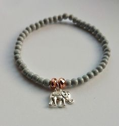 Pretty bohemian elephant charm bracelet Best Friend Bracelets, Elephant Jewelry, Homemade Jewelry, Hamsa Hand, Bracelet Set, Pink And Gold, Glass Beads, Jewelry Accessories, Beaded Bracelets
