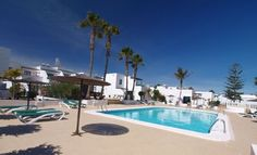 Lovely 2 Bedroom Apartment with Communal Pool in Quiet Complex - Matagorda