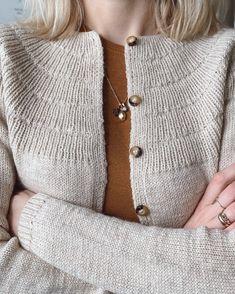 Ravelry: Anker's Cardigan - My Size pattern by PetiteKnit Knitting Patterns, Crochet Patterns, Stockinette, Knitting Needles, Work Fashion, Knitting Projects, Knit Cardigan, Knit Crochet, Knits