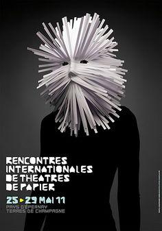Alejandro Benítez, actor y titiritero/Actor & Puppeteer: Les Rencontres Internationales de Théâtres de Papier. Pays d'Epernay, Francia. Mayo 25 al 29, 2011. Fotografías tomadas por Diego Riestra