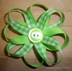 How to make a bow for hair clip. Be cute on little girl purses.