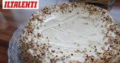 Mehevä porkkanakakku on viikonlopun ykkösleivonnainen. Vanilla Cake, Camembert Cheese, Carrots, Recipies, Deserts, Sweets, Baking, Carrot Cakes, Foods