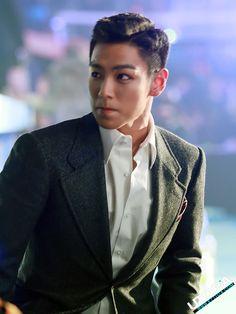 Big Bang Top | HQ Photos: T.O.P. @ SBS Gayo Daejun 2012 (121229) [PHOTOS] ①