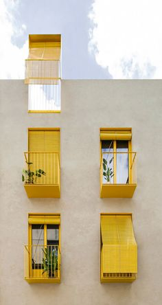 Colour Architecture, Facade Architecture, Contemporary Architecture, Facade Design, House Design, Fachada Colonial, Tiny Apartments, Modern Buildings, Colourful Buildings