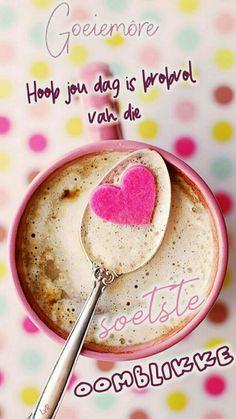 coffee with milk and pink sugar heart :) Wallpaper Rose, Food Wallpaper, Wallpaper Ideas, Coffee Heart, I Love Coffee, Sweet Coffee, Good Morning Coffee, Coffee Time, Gd Morning