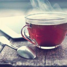 Cum să îți vindeci o tuse puternică timp de o singură noapte? Află din acest articol! - Tea Cups, Healthy, Tableware, Plant, Dinnerware, Tablewares, Health, Dishes, Place Settings