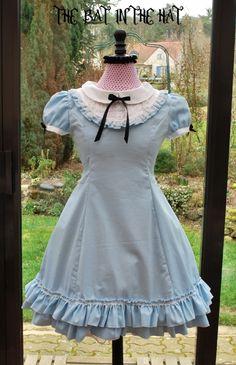 Alice in Wonderland Dress #The Bat in the Hat