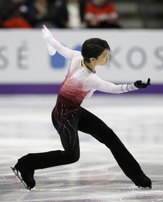 Yuzuru Hanyu of Japan performs his men's free program at the ISU World Figure Skating Championships in London