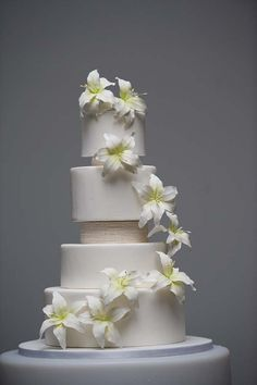 how to use wedding cake separators