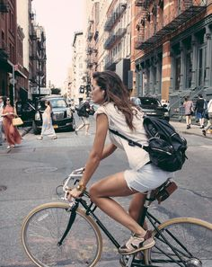 The Backpack is Back! - Waarom is de rugzak terug? #BikeTrend #HandsfreeFashion #Modemythes