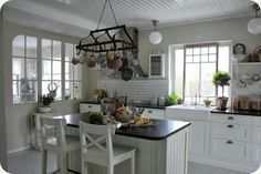 LILLA BLANKA: Lantkök ~ Country kitchen