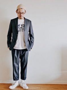 本日はセットアップに白シャツに白スニーカー、白ソックス。外しにはedih.のベージュのニットキャップ。最近よくかぶります。 http://www.lion-do.jp/mall/products/detail.php?product_id=132 #ニット帽 #ファッション #メンズ