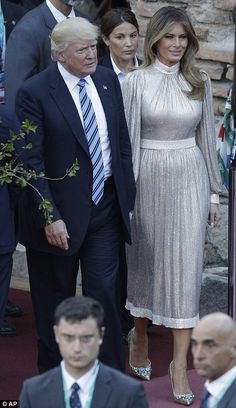 Melania Trump changes into a silver gown for concert Donald And Melania Trump, First Lady Melania Trump, Donald Trump, Milania Trump Style, Silver Gown, Trump Is My President, Mode Chic, Elegant Woman, Mother Of The Bride