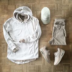 Outfit grid - White winter hoodie More