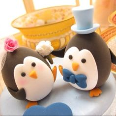 If my best friend ever gets married again I see this on her cake.