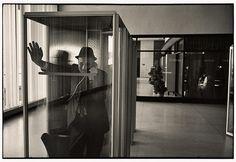 John F Kennedy international airport, New York, 1968 Photograph: The Estate of Garry Winogrand, courtesy Fraenkel Gallery, San Francisco Garry Winogrand, New York City, New York Street, Walker Evans, San Francisco Museums, New York Photographers, Portraits, Portrait Ideas, National Gallery Of Art