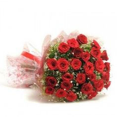 Let your love know your feelings through this classic rose bouquet. This bouquet is designed with 12 long-stemmed red roses and some best available seasonal filler wrapped in nice cellophane tied with a ribbon. Online Flower Delivery, Flower Delivery Service, Exotic Flowers, Amazing Flowers, Birthday Flower Delivery, Bunch Of Red Roses, Send Flowers Online, Propose Day, Red Rose Bouquet