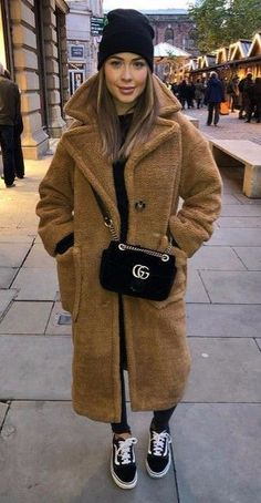 16 Teddy Coat Outfit Ideas That Are Super Cozy, Source by outfits casual Winter Outfits For Teen Girls, Classy Winter Outfits, Winter Fashion Outfits, Autumn Winter Fashion, Fall Outfits, Casual Outfits, Winter Coat Outfits, Winter Wardrobe, New York Winter Outfit