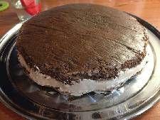 Τούρτα σοκολατίνα με κρέμα σοκολάτας και γλάσο! Tiramisu, Ethnic Recipes, Food, Meal, Eten, Meals, Tiramisu Cake