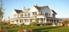 Love ranch style homes. http://media-cache4.pinterest.com/upload/276760339570270589_8wxB9LEf_f.jpg hk_britt dream homes