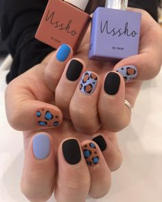 The advantage of the gel is that it allows you to enjoy your French manicure for a long time. There are four different ways to make a French manicure on gel nails. The choice depends on the experience of the nail stylist… Continue Reading → Nail Manicure, Nail Polish, Manicure Ideas, Nailart, Ten Nails, Korean Nails, Funky Nails, Minimalist Nails, Cool Nail Designs