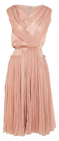 Nina Ricci blush dress: put a body inside and see how it moves!