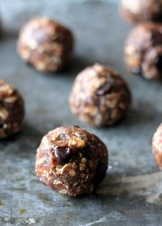Gluten free and vegan cookie dough bites with only 4 ingredients and no added sugar (besides chocolate chips)! These are easy to make and SO good!