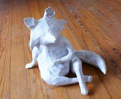 Les explications de la construction de mon renard en papier mâché, découvrez les étapes de créations de ce DIY !