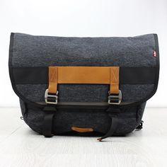 @leviscommuter #messengerbag available online now > SUPEREIGHT.NET #levis #commuter #fixedgear #ride