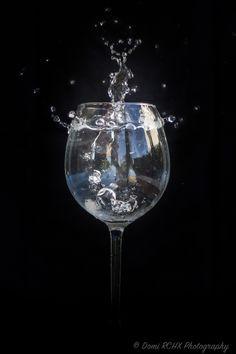 https://flic.kr/p/xHYnsU | Ice cube in the Glass of Water by Domi RCHX | Glaçon dans un Verre d'eau par Domi RCHX