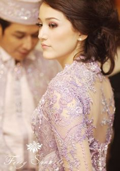 Adelia Pasha in Ferry Sunarto Indonesian Kebaya, Indonesian Wedding, Indonesian Girls, Batik Fashion, Girl Fashion, Kebaya Lace, Beautiful Evening Gowns, Punk Princess, Batik Dress