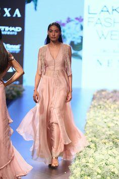 c1fd2ce5d019 Anushree Reddy at Lakmé Fashion Week summer resort 2018 Manish Malhotra  Designs
