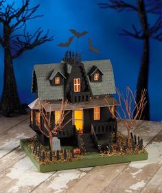 Classic Haunted House paperboard vintage-style Lights Up Bethany Lowe Halloween