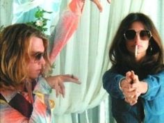 i love this still of johnny depp and penelope cruz in blow.
