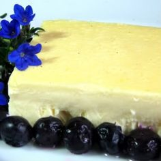 """Yogurt Cheese Cake -- based on the comments that this cake unexpectedly """"jiggles,"""" I would try it with yogurt cheese (yogurt drained 24 hours) rather than plain yogurt. Just Desserts, Delicious Desserts, Dessert Recipes, Yummy Food, Healthy Food, Snack Recipes, Snacks, Cheescake Recipe, Cheesecake"""
