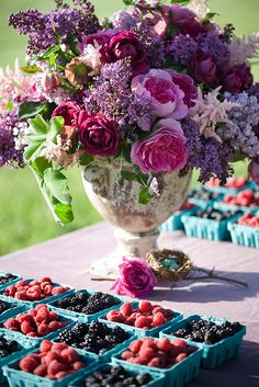 Gorgeous shades of purple and pink...love the berries.