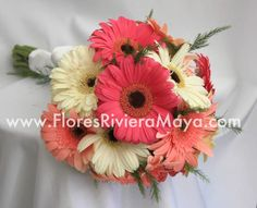 Gerbera daisies bouquet.  #floreriaRiviera #weddingFlowers #bouquet affordable florist cancun and riviera maya