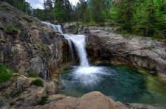 Waterfall in Aigüestortes i Estany de Sant Maurici National Park, Catalonia Places To Travel, Places To Visit, Romanesque, What A Wonderful World, Stunning View, World Heritage Sites, Dream Vacations, Wonders Of The World, Travel Photography
