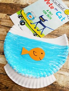 Make a quick and easy paper plate craft to pair with the children's book Pete the Cat: A Pet For Pete. It's a fun way to enjoy reading and crafts! #AD
