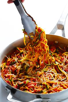 Zoodles Marinara Zucchini Noodles With Chunky Tomato Sauce. 15 Must-Try Low-Carb Zoodle Recipes. Delicious, easy and healthy meal with Zoodles/Zucchini Noodles as the main attraction. Zucchini Noodle Recipes, Veggie Recipes, Diet Recipes, Vegetarian Recipes, Cooking Recipes, Vegan Zoodle Recipes, Recipe Zucchini, Zucchini Tomato, Chicken Zucchini