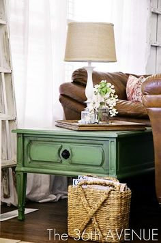 Love this green table! Greenlicious End Table Tutorial - Top 60 Furniture Makeover DIY Projects and Negotiation Secrets Green Painted Furniture, Distressed Furniture, Colorful Furniture, Paint Furniture, Furniture Projects, Furniture Making, Furniture Makeover, Antique Furniture, Modern Furniture
