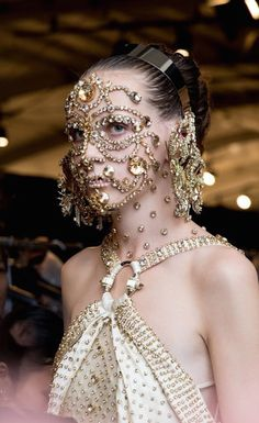 """vogue: """" """"Riccardo wanted a softness, but also a strangeness."""" Makeup artist Pat McGrath tells the story behind Givenchy's extraordinary face masks. Givenchy Beauty, Long Faces, Pat Mcgrath, Fashion Face Mask, New York Fashion, Women's Fashion, Crazy Fashion, Fashion Brand, Makeup Inspiration"""