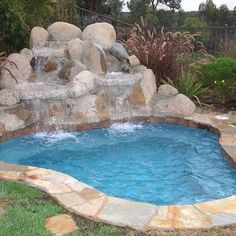 I want a small pool. Just a puddle, really. With a pile of rocks sitting around … - Diy Pool Design Diy Pool, Small Backyard Landscaping, Pool Backyard, Pool Spa, Backyard Ideas, Jacuzzi, Swimming Pool Designs, Swimming Pools, Spool Pool