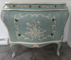 Duck Egg Blue & Old White Chalk Paint® by Annie Sloan