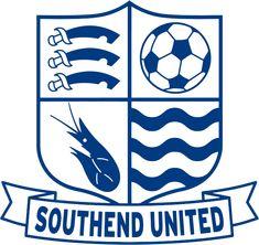 Southend United Football Club – Wikipédia, a enciclopédia livre English Football Teams, British Football, Football Team Logos, Soccer Logo, Soccer Teams, Sports Logos, Football Soccer, Football Shirts, Southend United Fc