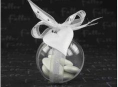 Dragées Mariage - Dragees mariage dans boule plexi deco coeur blanc