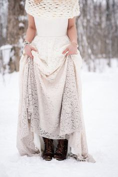 Truvelle dip dyed wedding dress | Lovely Peonies Photography | see more on: http://burnettsboards.com/2015/12/cozy-winter-wedding-knit-details/
