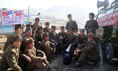 완공의 날을 앞당겨가는 인민군군인들 -무산군에서-